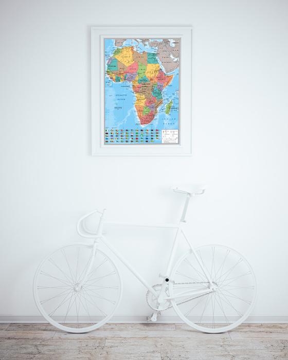 Le continent africain et un vélo blanc