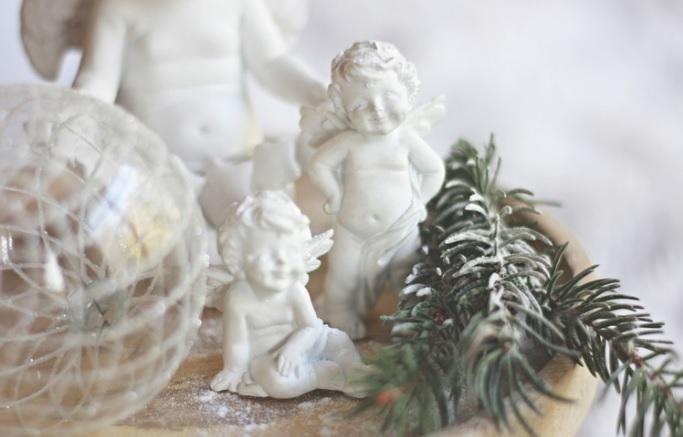 Dekorácia: Anjel s rukami vbok, set 2ks, cena 5,19€
